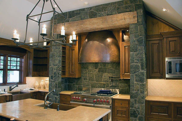 Кухня с применением камян