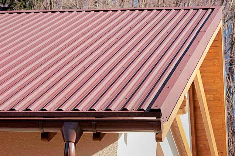 Установка капельника и карнизной планки на карниз крыши из профнастила