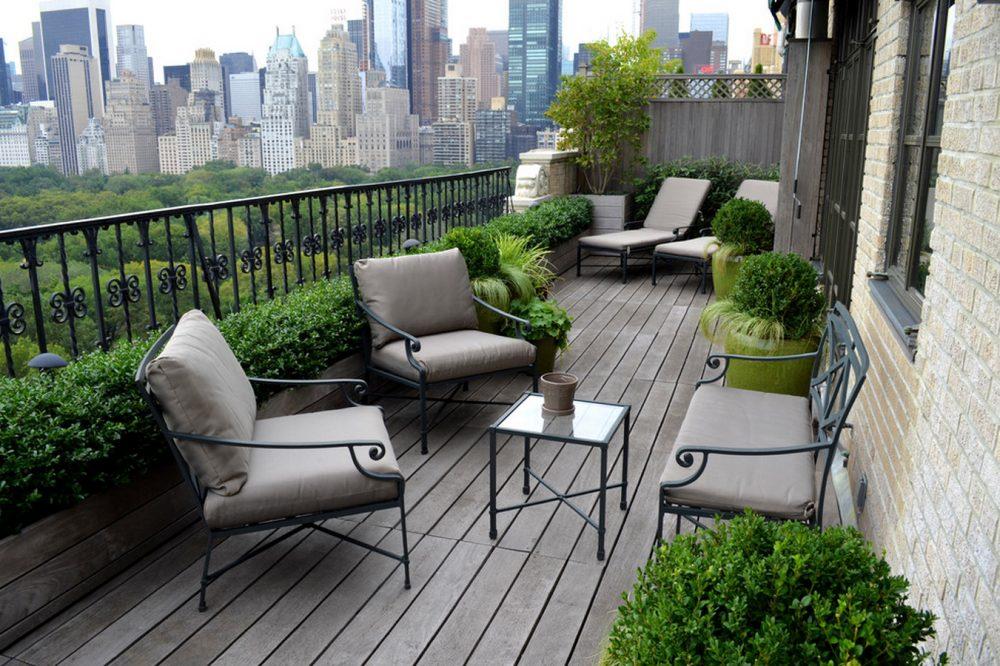 Делая выбор балкона, нужно точно определиться, какой именно конечный результат вы хотите получить: будет это роскошь или же лаконичная и сдержанная конструкция