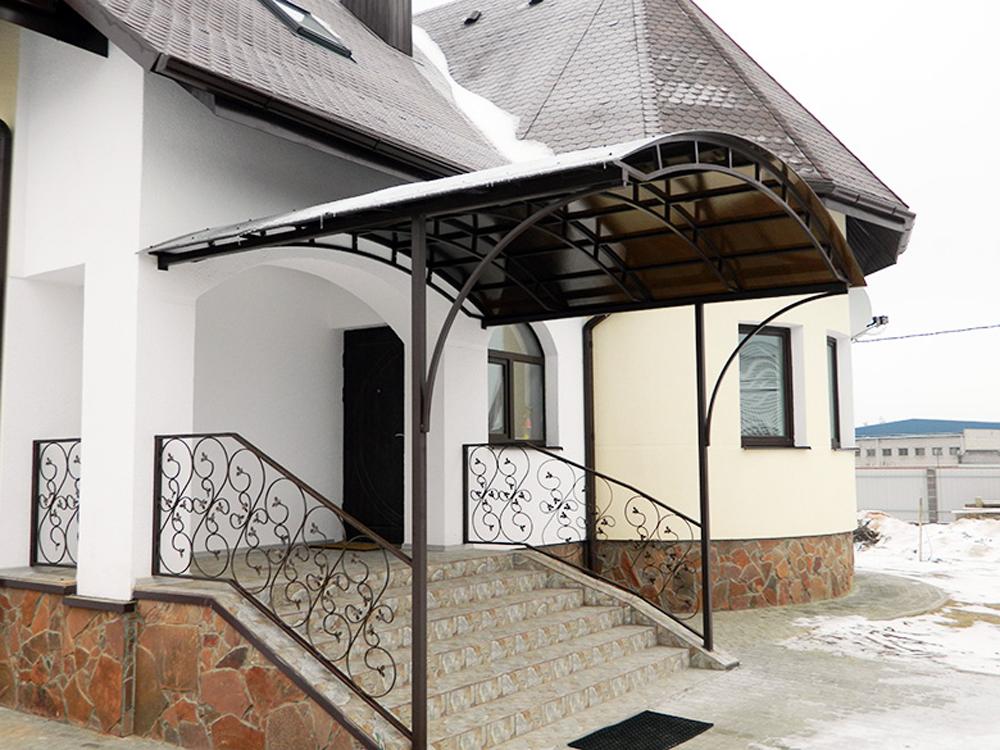 козырьки над крыльцом частного дома фото