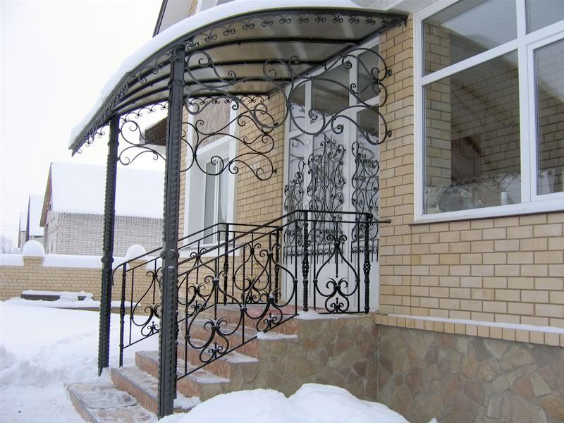 козырек над входной дверью