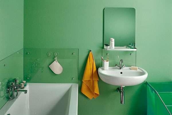 зелёная краска в интерьере ванной
