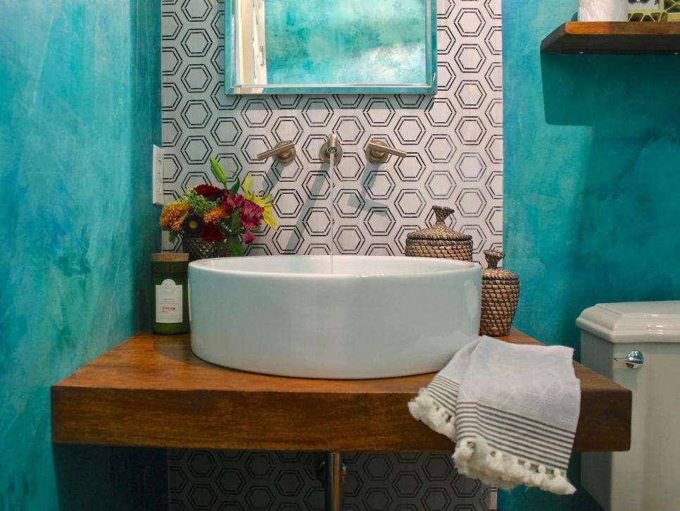 бирюзовая краска на стенах ванной