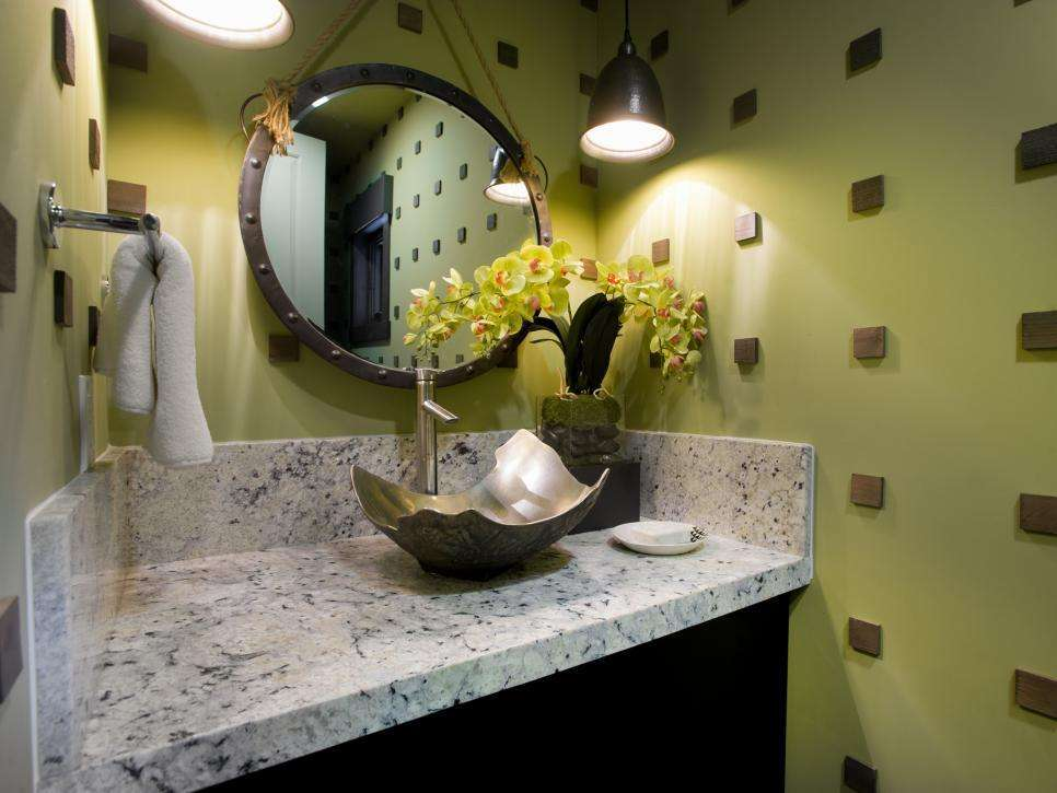 интерьер ванной с зелёной краской