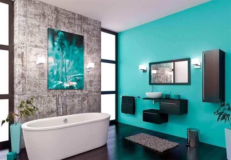 зелёные стены в интерьере ванной комнаты