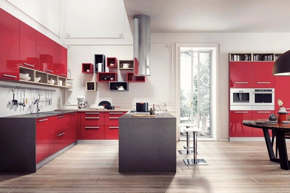 Элегантная и просторная кухня в современном стиле
