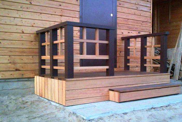 Крыльцо, обшитое ДПК - древесно-полимерным композитом