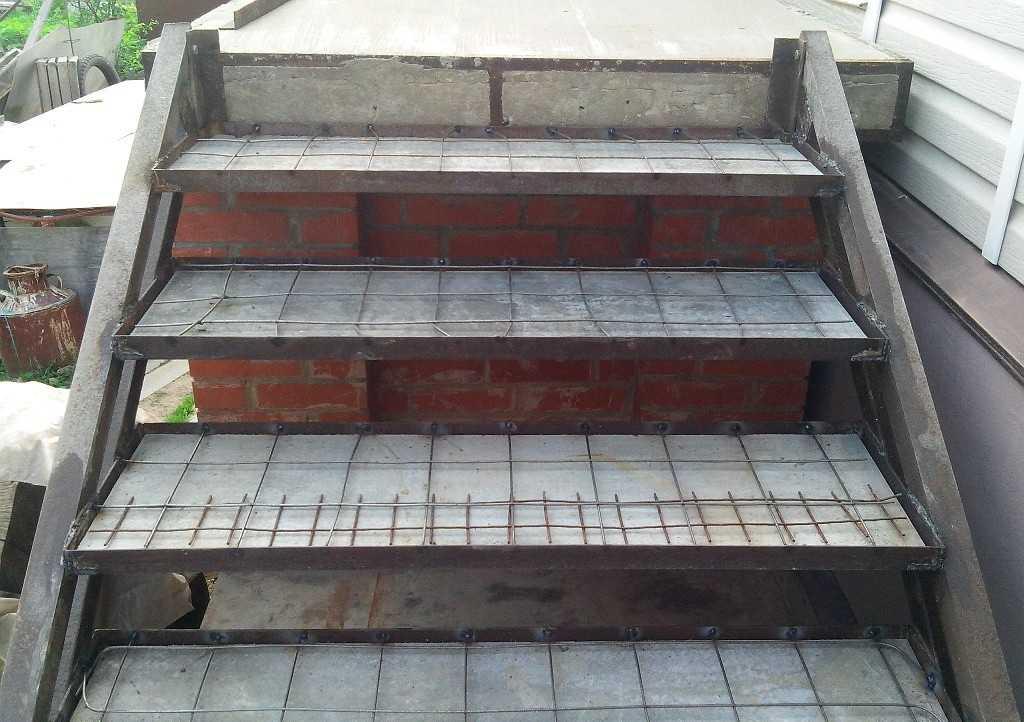 Ступени готовы к заливке бетона