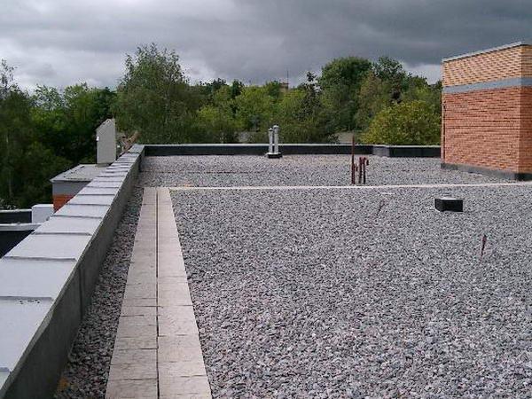 Разуклонка плоской крыши керамзитом