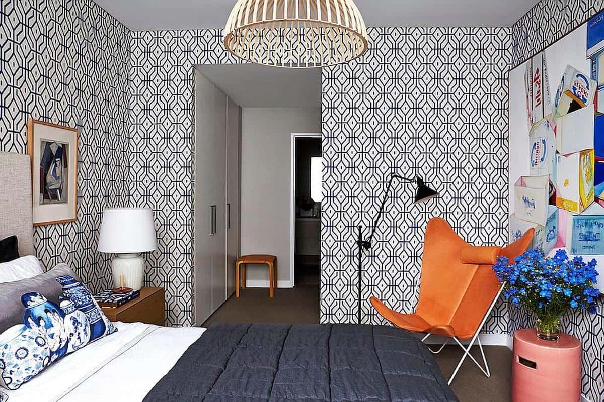 Черные геометрические узоры на светлом фоне - модный тренд минималистического интерьера