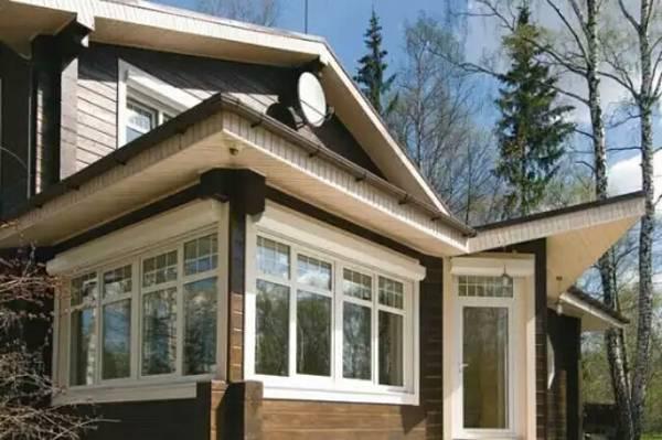 окна в деревянном доме фото