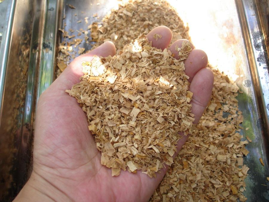 Опилки как основа для изготовления жидких обоев