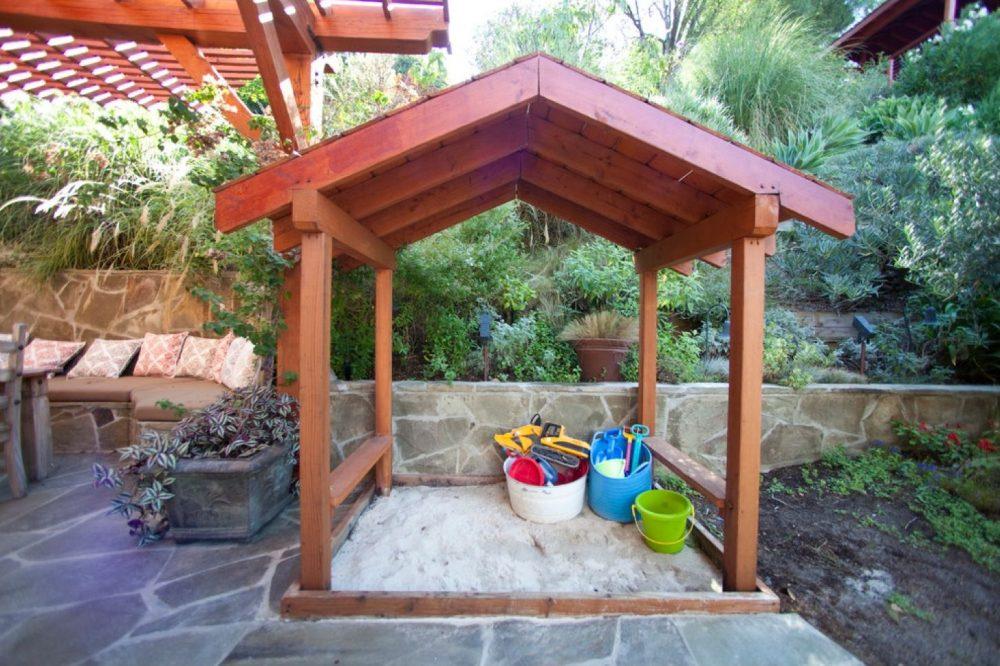 песочница для подростков во дворе своими руками