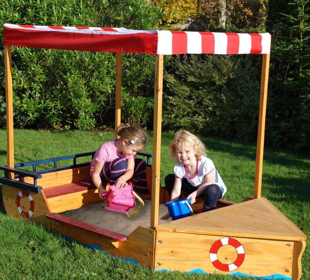 игровая песочница для детей во дворе своими руками