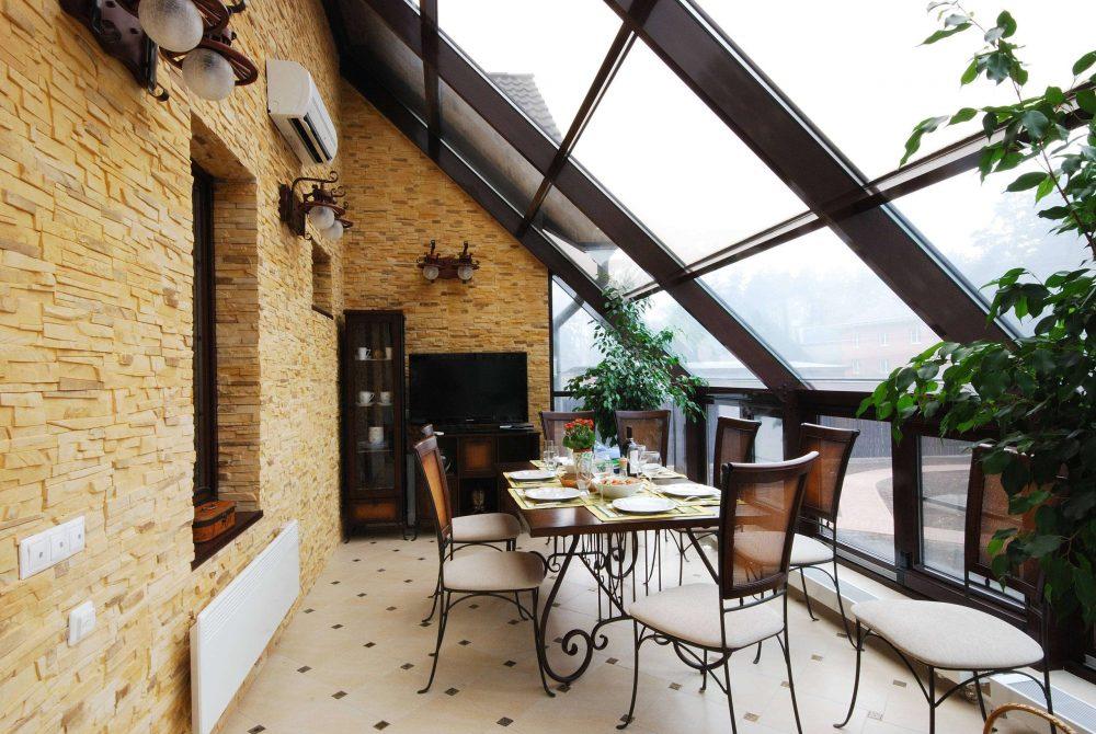 Поликарбонатная конструкция потолка