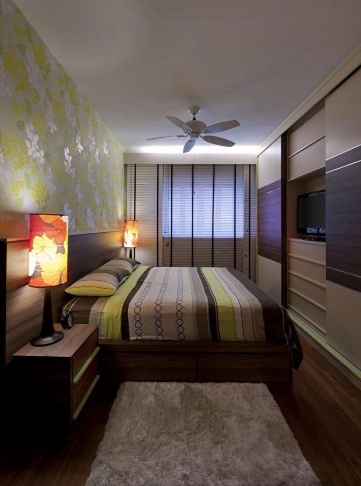 Расстановка мебели в маленькой узкой (прямоугольной) спальне - фото