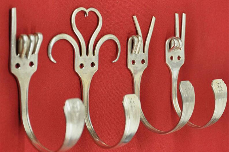 Декор комнаты своими руками - Крючки для одежды из столовых приборов