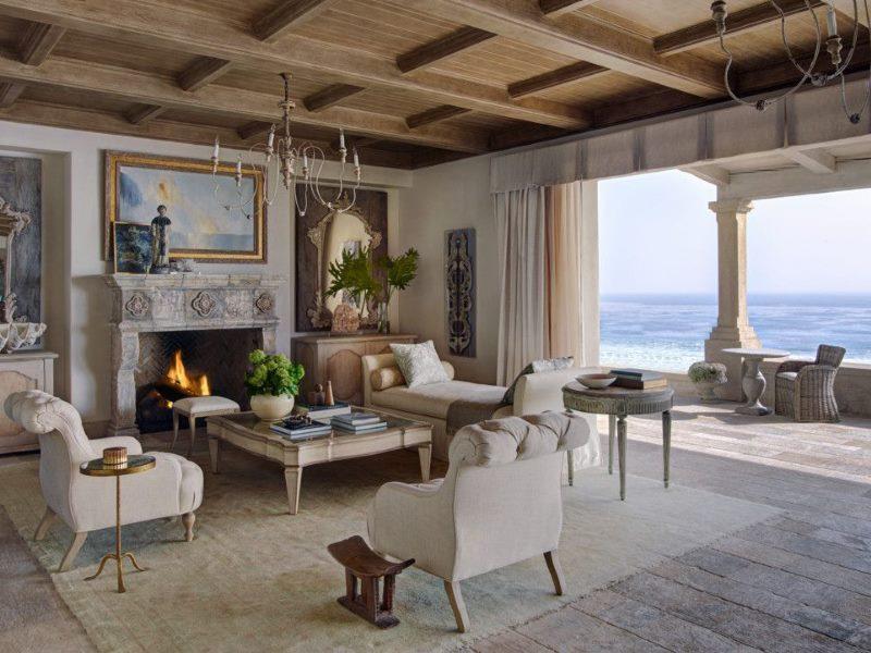 Пол из досок в гостиной стиля прованс