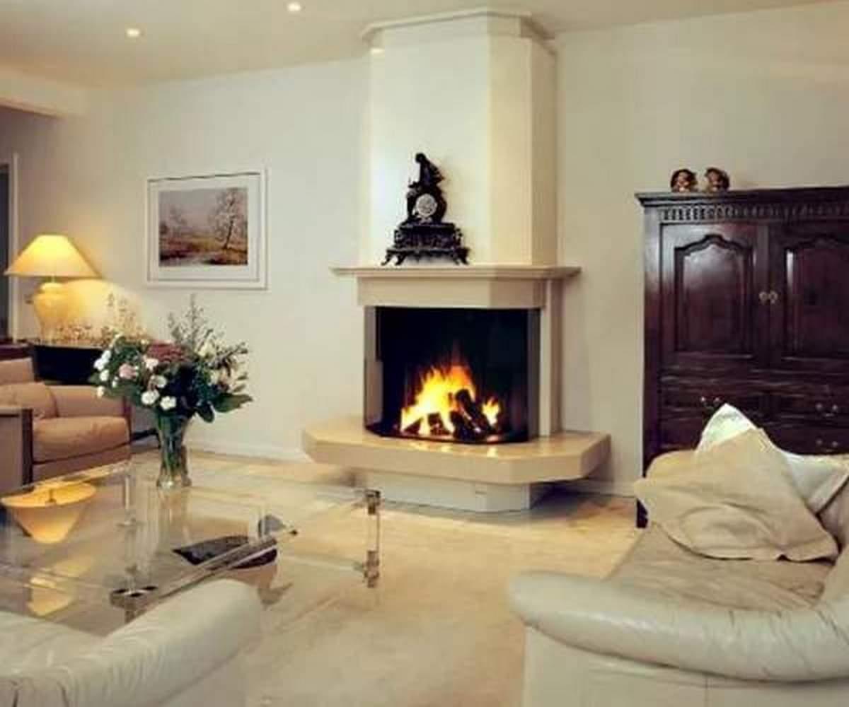 простой дизайн зала в частном доме