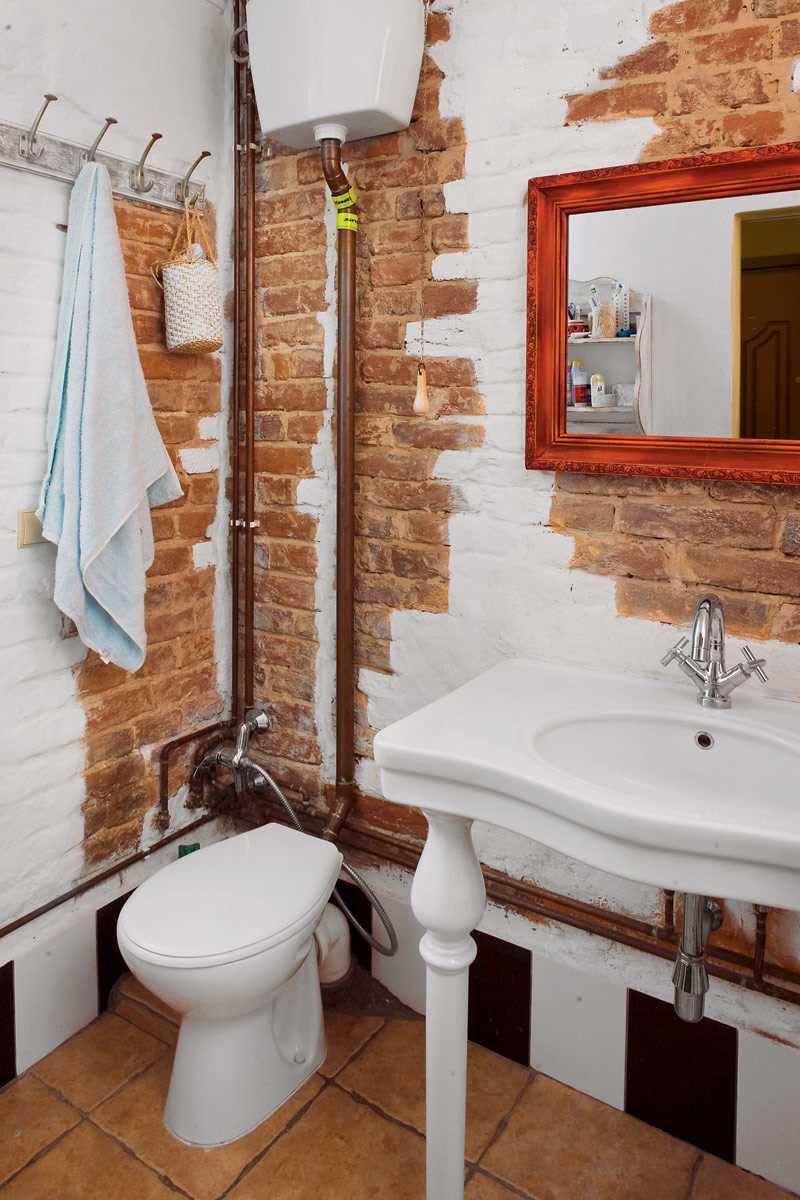ремонт ванной посредством покраски стен экономно
