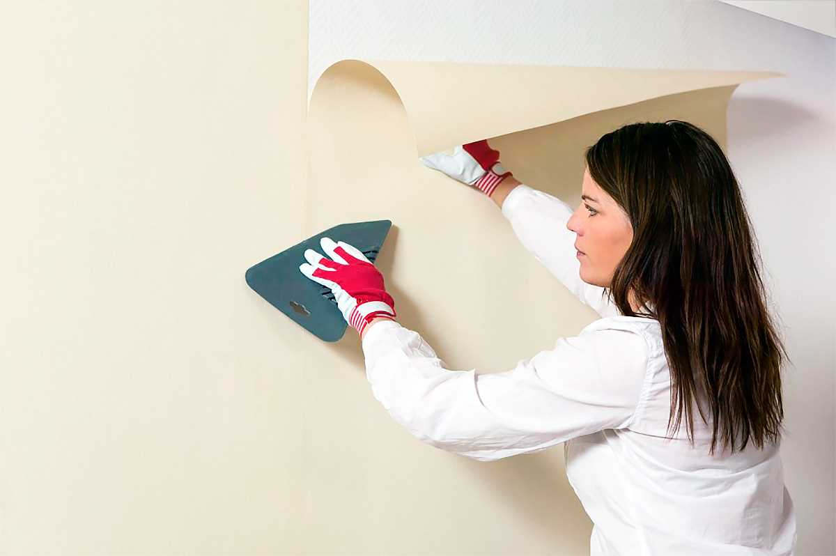 реставрация ванной посредством покраски стен бюджетно