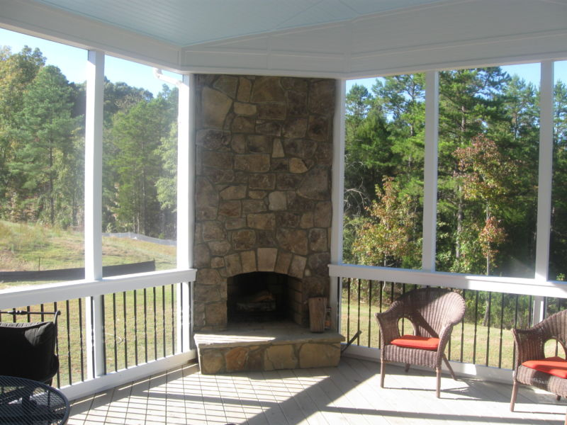 screened-porch-with-fireplace-design-l-44c35456f4791680