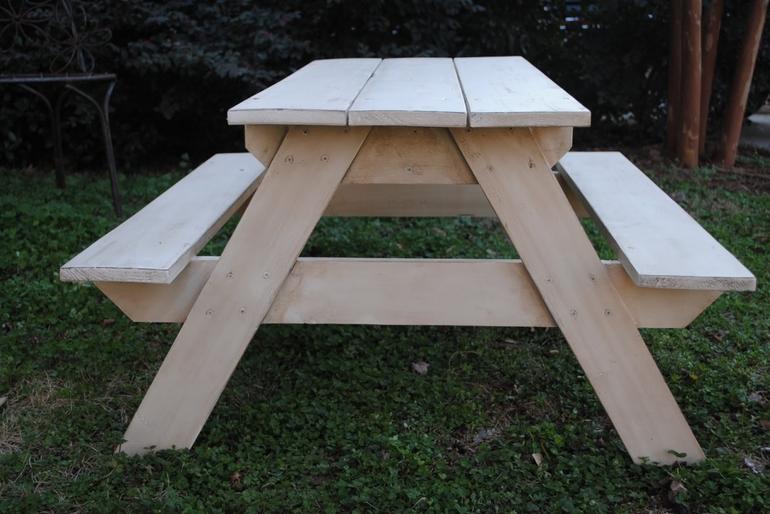 Стол из досок для дачи