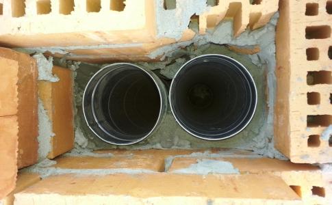Конструкция из двух труб для вентиляции котельной
