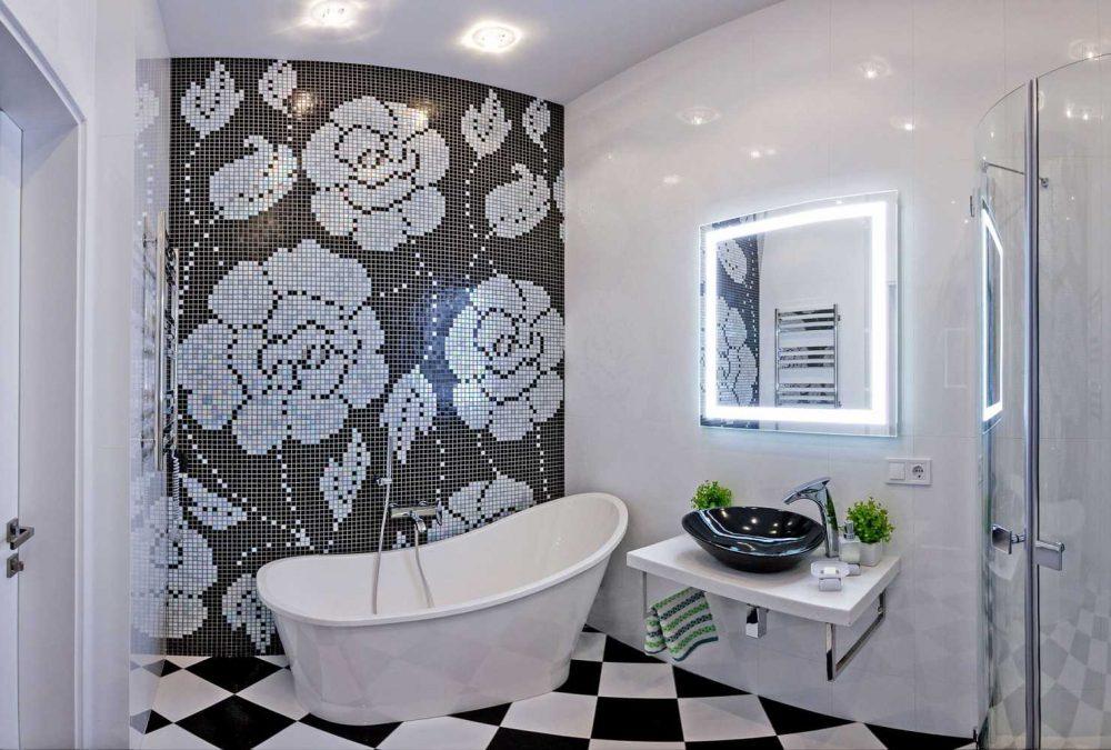 вариант яркого стиля ванной в черно-белых тонах