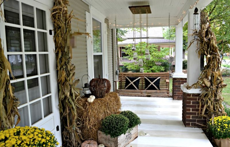 vintage-home-design-ideas-with-front-porch-design-adorned-natural-material