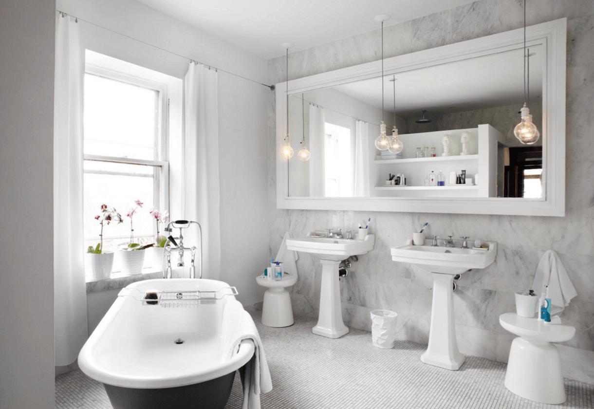 Оригинальный дизайн зеркала в интерьере ванной комнаты - Фото 5