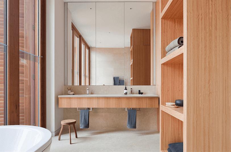 Оригинальный дизайн зеркала в интерьере ванной комнаты - Фото 6