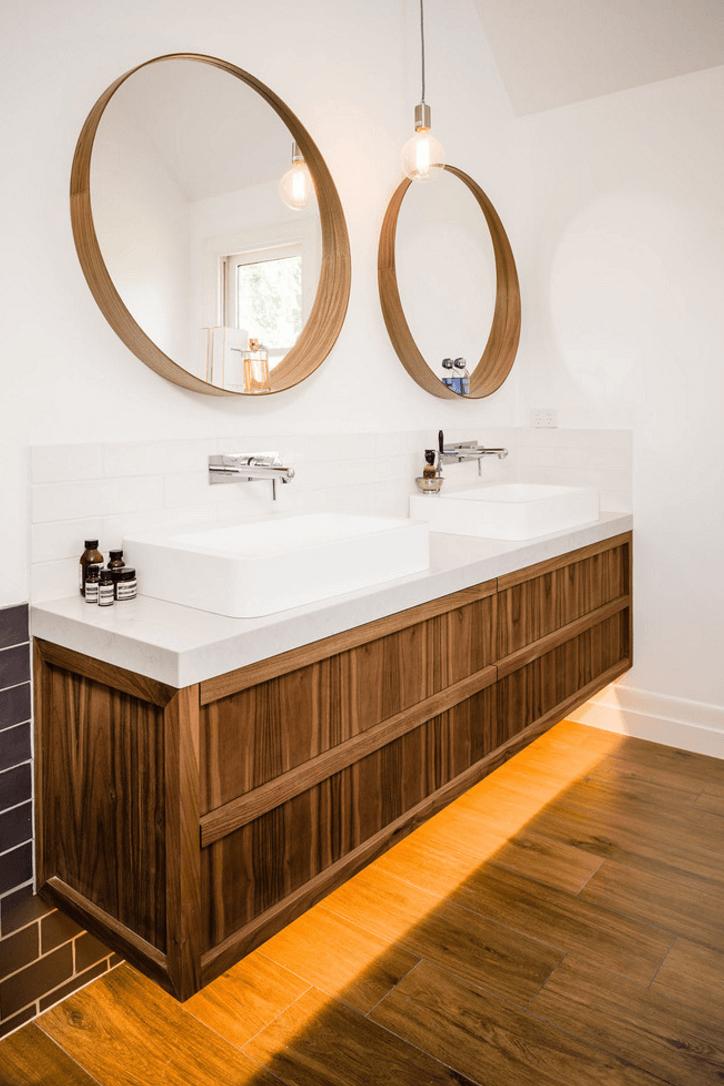 Оригинальный дизайн зеркала в интерьере ванной комнаты - Фото 9