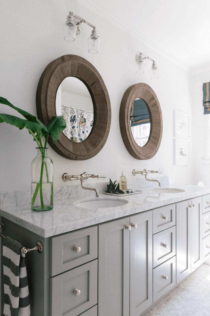 Оригинальный дизайн зеркала в интерьере ванной комнаты - Фото 10