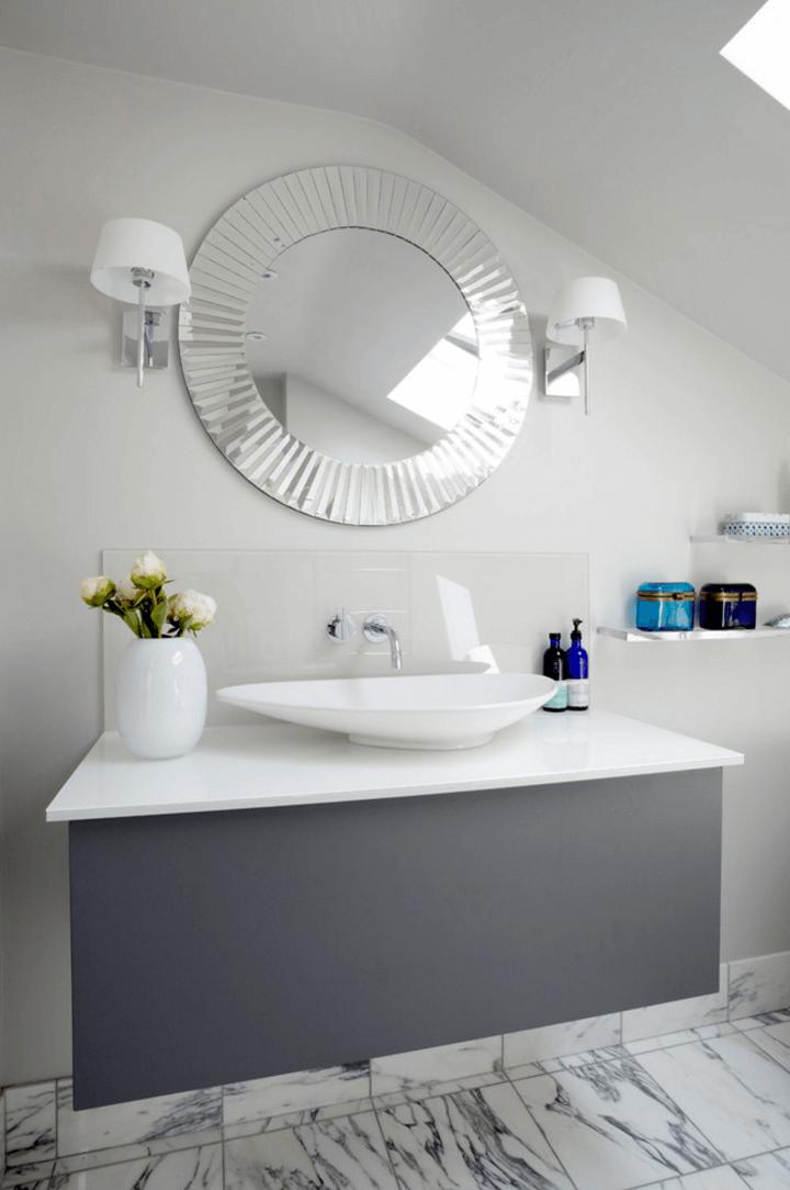 Оригинальный дизайн зеркала в интерьере ванной комнаты - Фото 22