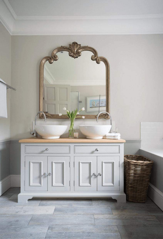 Оригинальный дизайн зеркала в интерьере ванной комнаты - Фото 23