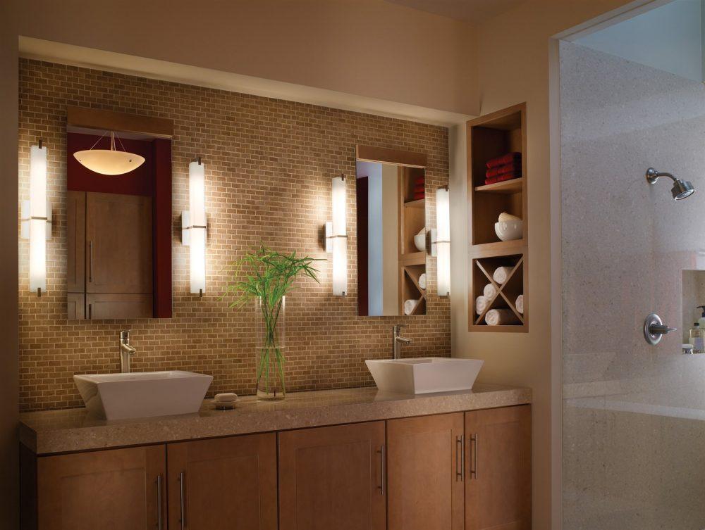 Очень удобный вариант - две раковины в ванной комнате